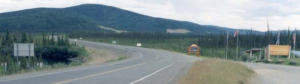 Overview of Alaska Highway crossing the border into Canada
